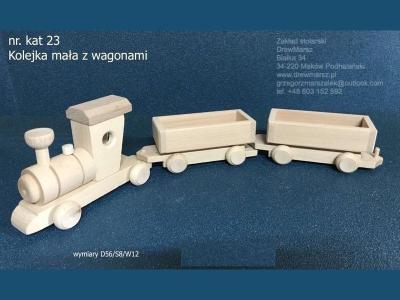 23-kolejka-z-wagonami